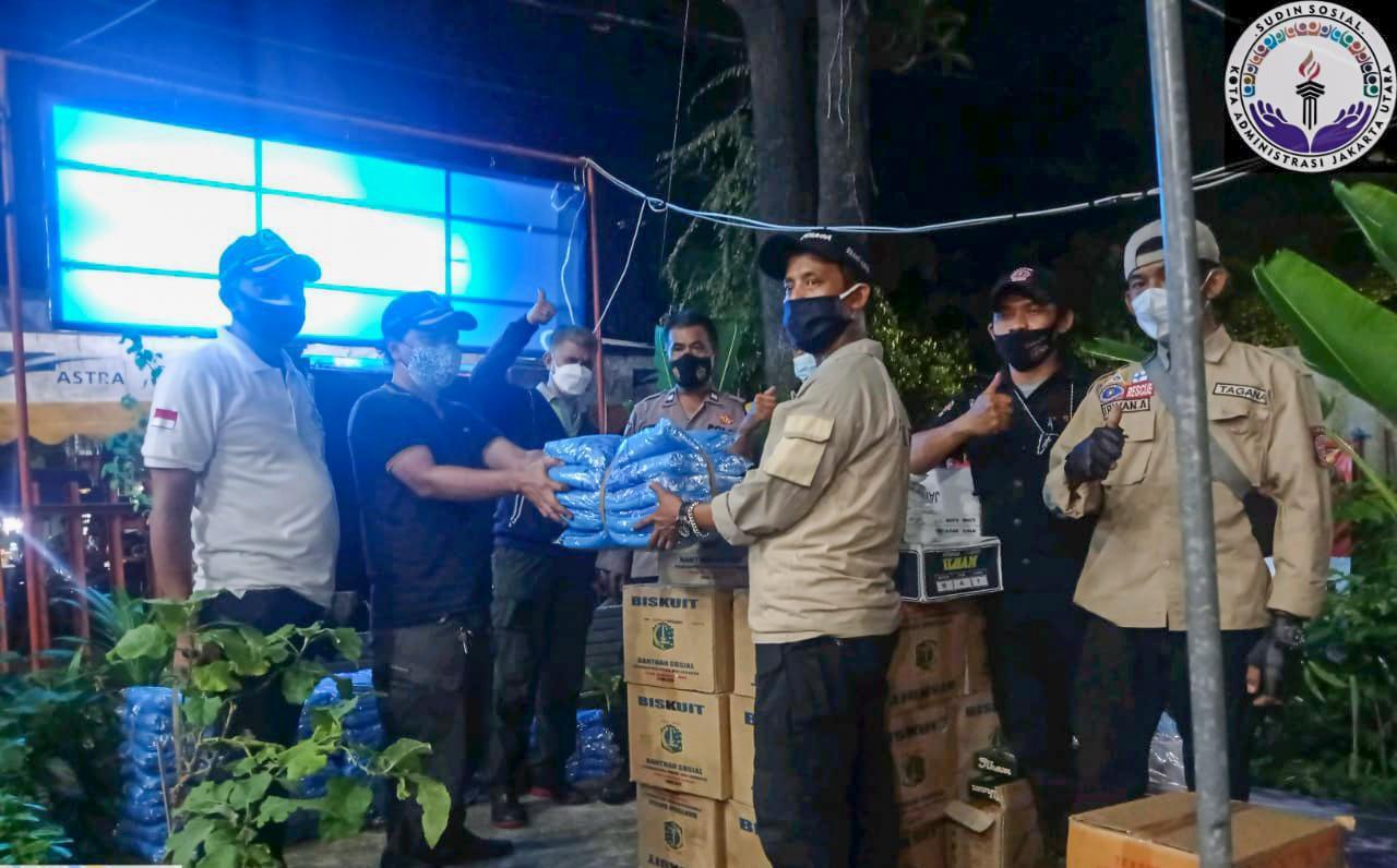 Sudin Sosial Jakarta Utara Pasok Bantuan Untuk Korban Kebakaran RW 012 Pejagalan
